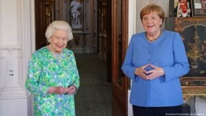 FULL (OF IT) Benjamin bla bla blah Fulford - 7/12/2021 - Great Victory For Humanity As European Royals Reject Rothschilds Merkel-and-queen-300x169